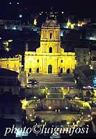 Chiesa di San Giorgio in notturna  - Modica (1773 clic)