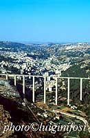 Panorama di Modica con il ponte Guerrieri  - Modica (25454 clic)