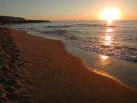 Tramonto sulla spiaggia di Cefalù  - Cefalù (20468 clic)