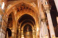 Il Duomo, il Cristo Pantocrator e particolari delle colonne e della decorazioni musive  - Monreale (5872 clic)
