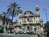 Piazza San Domenico con l'omonima chiesa (detta il Panteon dei Siciliani)  - Palermo (6853 clic)