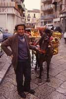 Carretto Siciliano - Venditore Ambulante a Palermo  - Palermo (8865 clic)