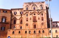 Palazzo Reale poi dei Normanni - Torre Pisana del Palazzo Reale, sede dell'Osservatorio Astronomico  - Palermo (6967 clic)