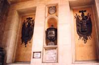 Nicchie con stemmi nobiliari all'interno di porta nuova PALERMO Giambattista Scivoletto