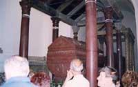 Tomba di Federico II all'interno della Cattedrale  - Palermo (5247 clic)