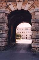PORTA DEI GRECI 1553 - foro Umberto I - Quartiere Tribunali Castellammare PALERMO Giambattista Sciv