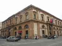 Municipio (ex convento dei Carmelitani)  - Caltanissetta (3460 clic)