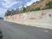 Il Muro di Ceramica (opera di 40 artisti)  - Fiumara d'arte (3106 clic)