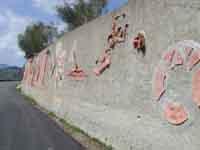Il Muro di Ceramica (opera di 40 artisti)  - Fiumara d'arte (3109 clic)