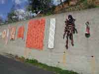 Il Muro di Ceramica (opera di 40 artisti)  - Fiumara d'arte (3789 clic)