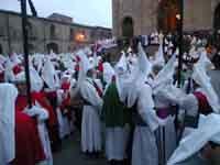 Gli Incappucciati - Il venerdì Santo ad Enna  - Enna (3550 clic)
