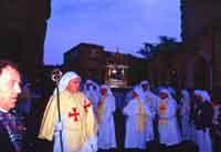 Gli Incappucciati - domenica di Pasqua ad Enna  - Enna (1925 clic)
