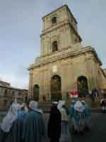 Gli Incappucciati - domenica di Pasqua ad Enna  - Enna (1719 clic)