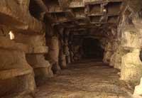 Grotte dei Santi  - Monterosso almo (8692 clic)