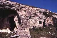 Grotte dei Santi  - Monterosso almo (7300 clic)