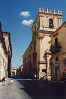 Corso Vittorio Emanuele - chiesa di santa chiara  - Noto (3964 clic)