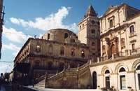 Monastero di Montevergini e chiesa di S. Francesco all'Immacolata (o chiesa di S. Francesco all'Immacolata e Belvedere del SS. Salvatore ?)  - Noto (7238 clic)