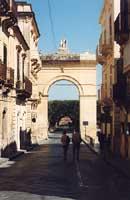 La Porta Reale (inizio Corso Vittorio Emanuele)  - Noto (4108 clic)