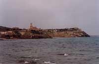 a sinistra SCALO MANDRIA al centro castello TAFURI a destra LA TONNARA    - Portopalo di capo passero (2989 clic)
