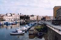 Caratteristici barchini siculi (Ortigia)  - Siracusa (3701 clic)