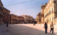 piazza Duomo  - Siracusa (2033 clic)