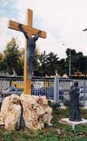 stazione della Via Crucis all'interno del parco del Santuario della Madonnina delle Lacrime  - Siracusa (2219 clic)