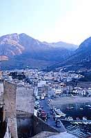 Paesaggio di Mare, protetto dalla Montagna  - Castellammare del golfo (2458 clic)