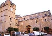 campanile della chiesa madre - Duomo di Santa Maria Assunta  - Castelvetrano (2974 clic)