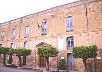Piazza Garibaldi, Municipio. Palazzo dei principi di Castelvetrano o palazzo Pignatelli  - Castelvetrano (8268 clic)