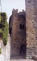 il castello di Venere, particolare dello scalone principale - Porta di ingresso del Castello (situato sul punto più alto del monte Erice)  - Erice (3938 clic)