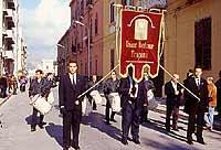 Gonfalone  dell'Unione Maestranze  della Processione del Venerdì Santo di trapani  - Trapani (9236 clic)