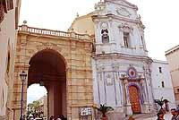 porta garibaldi dall'interno delle mura cittadine  - Marsala (3841 clic)