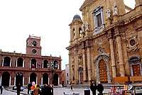 chiesa madre e palazzo 7 aprile  - Marsala (10527 clic)
