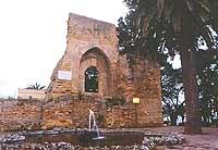 Porta del Castello Normanno. Castello di forma quadrata e con torri merlati, venne demolito nel 1880  - Mazara del vallo (3976 clic)