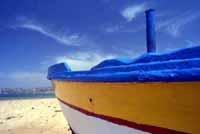 Barca sulla spiaggia  - Giallonardo (5103 clic)